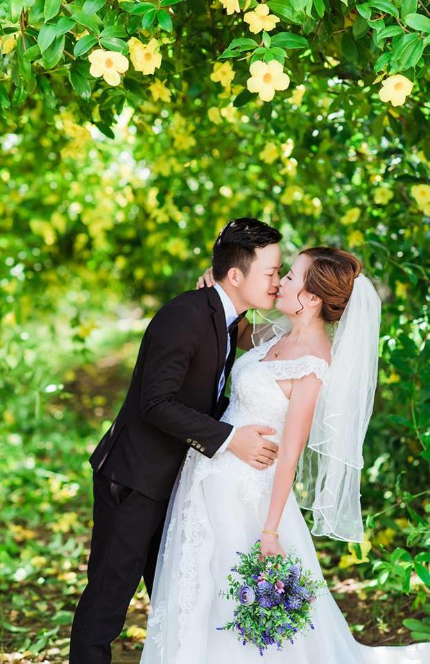 Cô dâu 61 lấy chồng 26 tuổi tiết lộ lễ đính hôn lãng mạn như mơ - Ảnh 3.