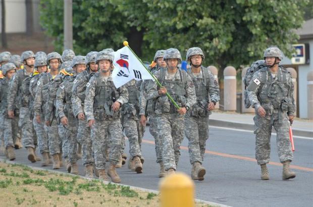 Sinh viên Hàn Quốc bị cáo buộc cố tình béo lên để trốn nghĩa vụ quân sự - Ảnh 2.