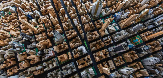 Choáng ngợp với mô hình thành phố mini siêu chi tiết được tạo nên bởi cụ ông 78 tuổi trong suốt hơn 65 năm - Ảnh 2.