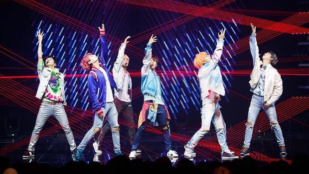 BTS được đề cử tại lễ trao giải âm nhạc đình đám của Mĩ nhưng fan lại cực kì bất mãn vì lí do này - Ảnh 3.