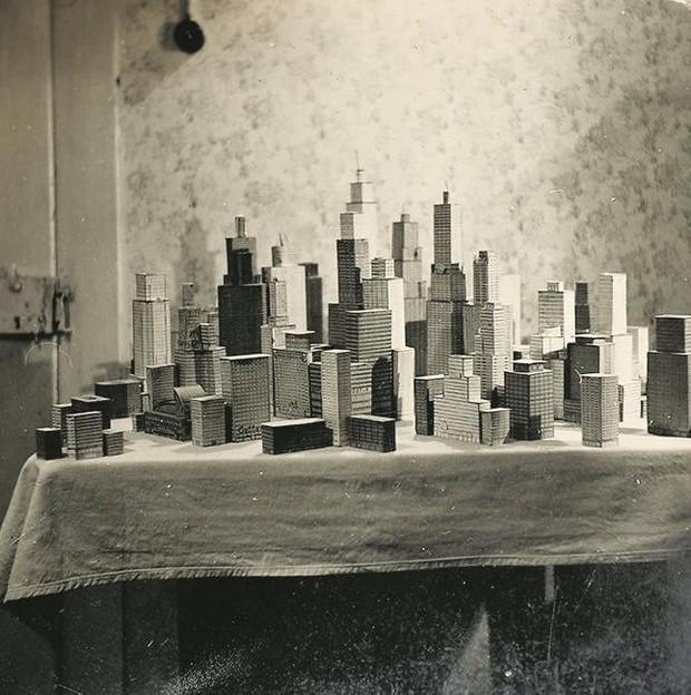 Choáng ngợp với mô hình thành phố mini siêu chi tiết được tạo nên bởi cụ ông 78 tuổi trong suốt hơn 65 năm - Ảnh 3.