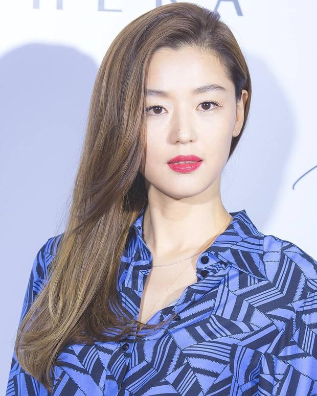 """Nếu bí ý tưởng F5 cho mái tóc mùa thu này, các nàng hãy ngắm qua 4 kiểu tóc """"ruột"""" của các mỹ nhân Hàn xem sao - Ảnh 5."""
