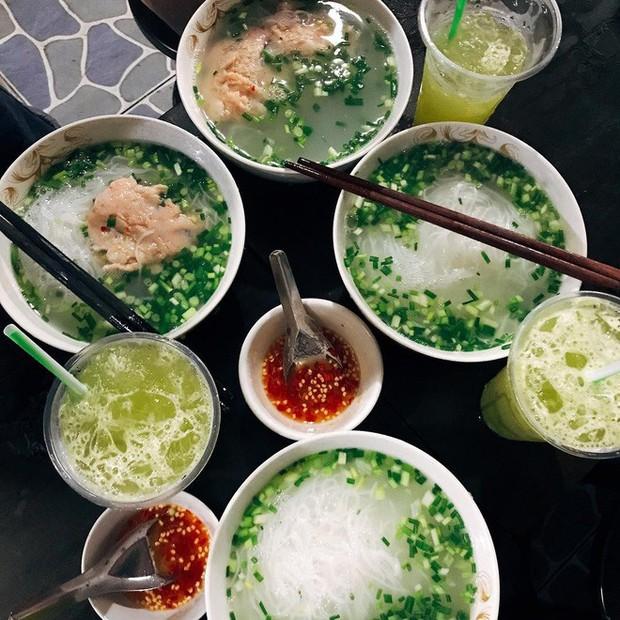 Quán bún ở Phú Quốc mà thực khách phải tự trả tiền tự phục vụ, vậy mà ai đến đây cũng phải ghé ăn bằng được - Ảnh 5.