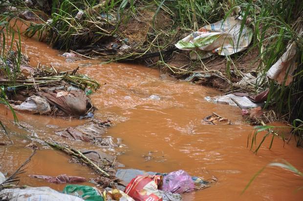 Hàng trăm hộ dân ở Đà Lạt bỏ hoang vườn tược vì nguồn nước bị ô nhiễm từ chợ nông sản - Ảnh 9.