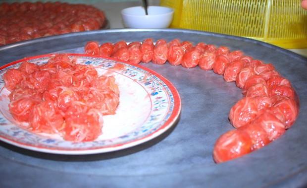 Thật thán phục người Tây Ninh, chỉ từ phần bỏ đi của quả bưởi mà lại làm nên đặc sản lừng danh - Ảnh 8.