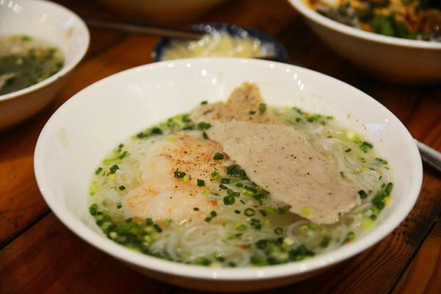 Quán bún ở Phú Quốc mà thực khách phải tự trả tiền tự phục vụ, vậy mà ai đến đây cũng phải ghé ăn bằng được - Ảnh 7.
