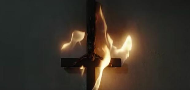 17 bài học cuộc sống hữu ích khi xem phim kinh dị The Nun - Ảnh 3.
