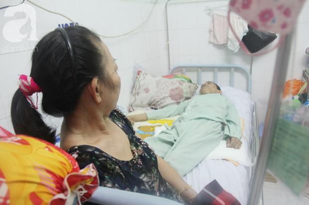 Xin cơm từ thiện suốt 2 năm, người mẹ nuôi con trai tật nguyền chỉ ước có một bữa no rồi chết cùng con - Ảnh 12.