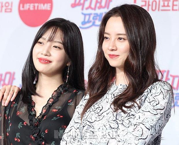 Diện đầm xuyên thấu sexy, mỹ nhân Red Velvet vẫn bị Song Ji Hyo hơn 15 tuổi chiếm hết spotlight tại sự kiện - Ảnh 4.