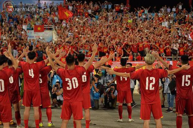 Đừng dập tắt ngọn lửa tình yêu U23 Việt Nam vừa nhóm trở lại trong lòng người hâm mộ - Ảnh 1.