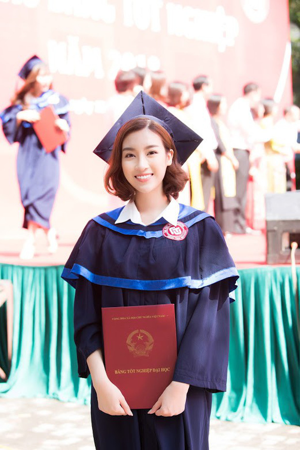 1 ngày trước khi hết nhiệm kỳ Hoa hậu Việt Nam, Đỗ Mỹ Linh rạng rỡ cùng bạn bè nhận bằng tốt nghiệp Đại học - Ảnh 10.