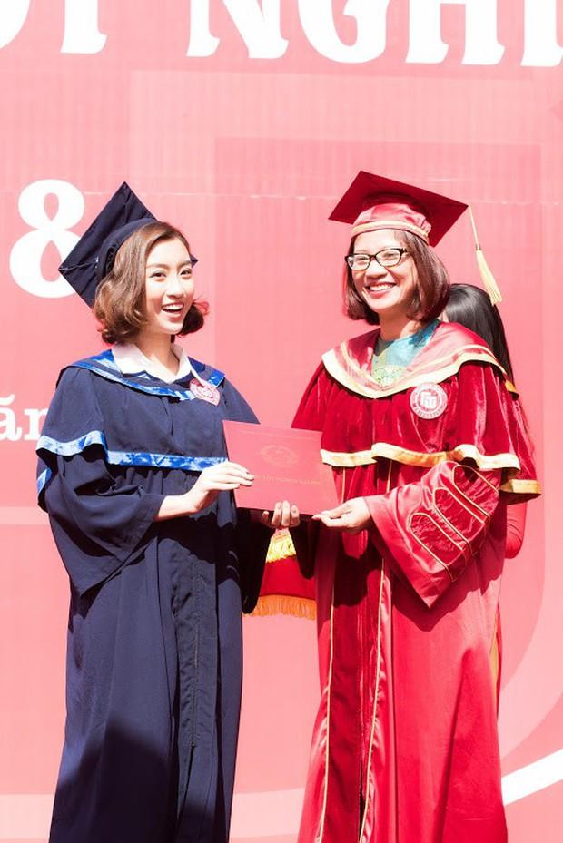 1 ngày trước khi hết nhiệm kỳ Hoa hậu Việt Nam, Đỗ Mỹ Linh rạng rỡ cùng bạn bè nhận bằng tốt nghiệp Đại học - Ảnh 9.