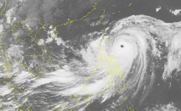 Chuẩn bị đón siêu bão đổ bộ: Trung Quốc hủy nhiều chuyến bay và tàu cao tốc - Ảnh 1.