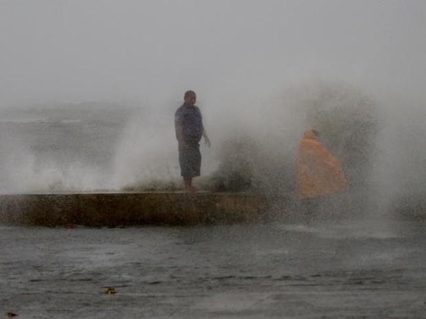 Thông tin thiệt hại về người đầu tiên sau khi siêu bão Mangkhut càn quét Philippines - Ảnh 3.