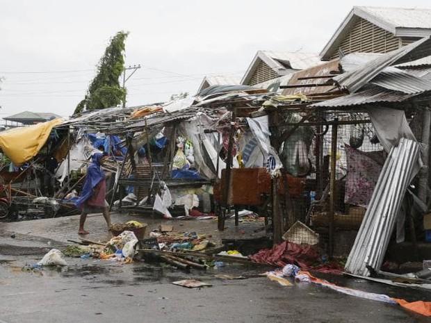 Thông tin thiệt hại về người đầu tiên sau khi siêu bão Mangkhut càn quét Philippines - Ảnh 4.