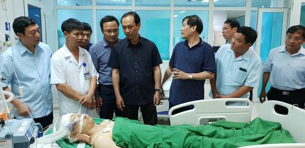 """Nước mắt của người vợ có chồng gặp tai nạn thảm khốc ở Lai Châu: """"Hy vọng một phép màu để anh ấy được sống"""" - Ảnh 2."""