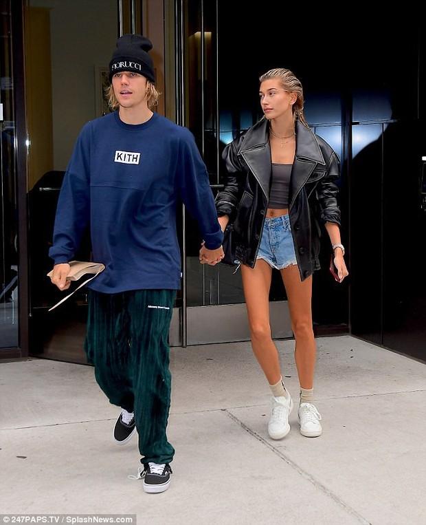 Ngoài chuẩn bị tiệc cưới, Justin Bieber còn tất bật làm điều này khi sắp kết hôn với Hailey Baldwin - Ảnh 1.