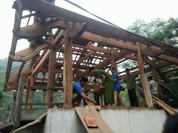 """Công an giúp người dân di dời nhà cửa, gặt lúa """"chạy"""" bão Mangkhut - Ảnh 1."""