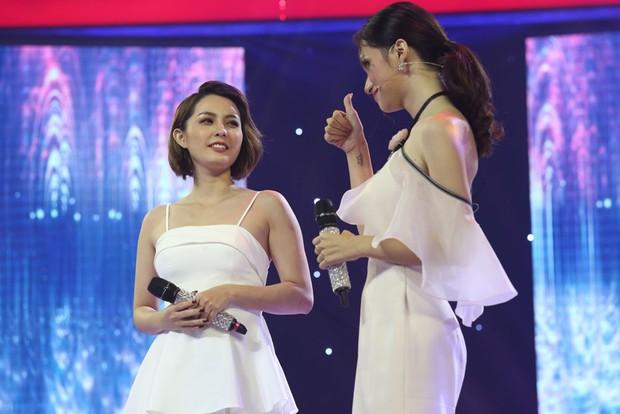Giọng ải giọng ai: Hương Giang giữ vững thần thái Hoa hậu khi song ca với thí sinh thảm họa - Ảnh 5.