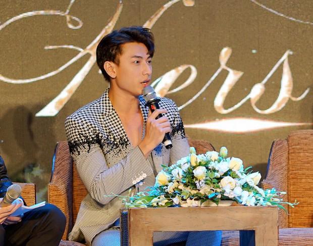 HH Ngọc Hân say sưa cổ vũ màn trình diễn cực sung của Isaac trên sân khấu Hà thành - Ảnh 7.