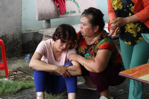 """Nước mắt của người vợ có chồng gặp tai nạn thảm khốc ở Lai Châu: """"Hy vọng một phép màu để anh ấy được sống"""" - Ảnh 6."""