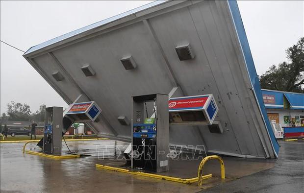 Bão Florence gây thiệt hại nặng nề tại các bang Đông Nam nước Mỹ - Ảnh 1.