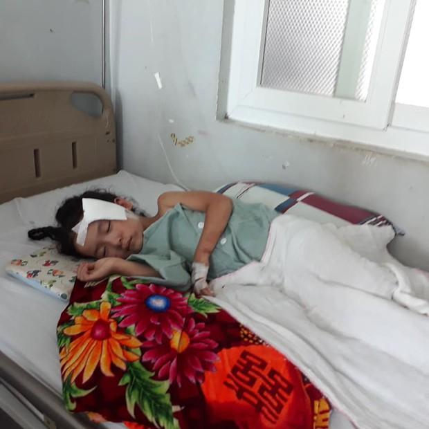 """Nước mắt của người vợ có chồng gặp tai nạn thảm khốc ở Lai Châu: """"Hy vọng một phép màu để anh ấy được sống"""" - Ảnh 5."""