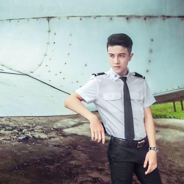 Em trai Á hậu 2 Thuý An có ngoại hình thu hút, đang là sinh viên Học viện Hàng không Việt Nam - Ảnh 3.