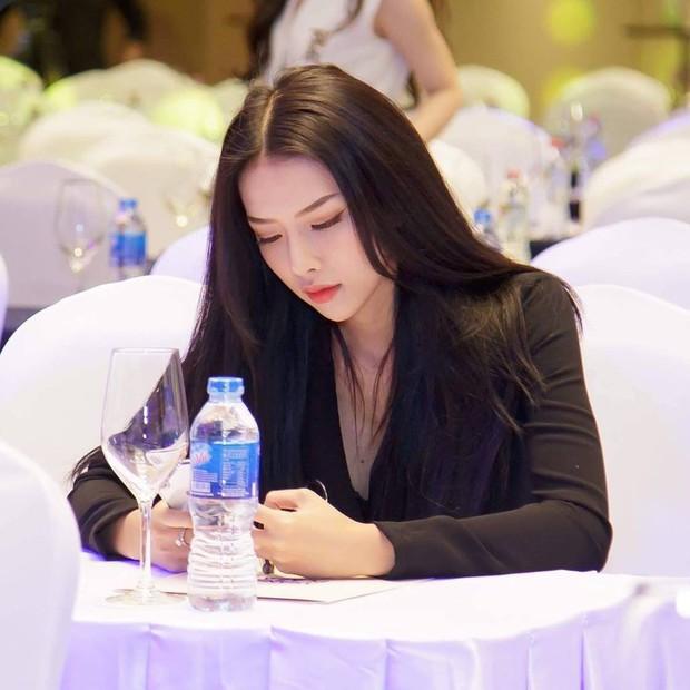 Phan Mạnh Quỳnh vừa cầu hôn bạn gái trên biển, cô gái đó là ai? - Ảnh 5.