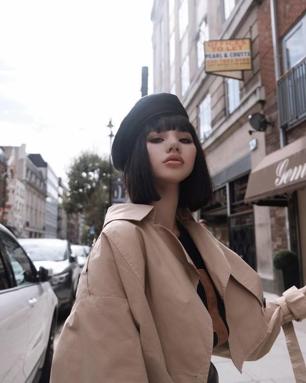 Tránh bão tại Vbiz, Jolie Nguyễn lên đồ chất chơi và âm thầm tỏa sáng tại London Fashion Week - Ảnh 4.