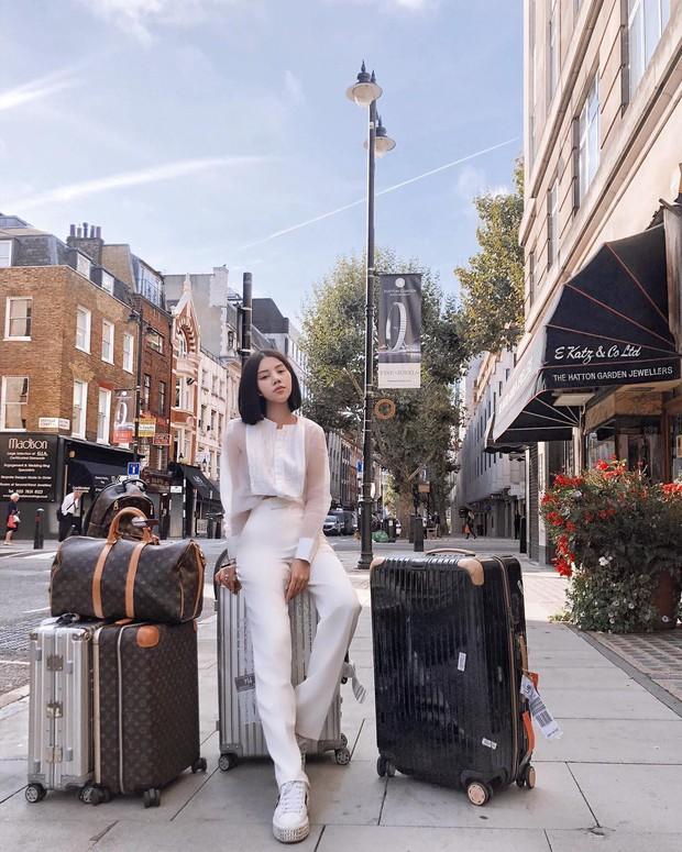 Tránh bão tại Vbiz, Jolie Nguyễn lên đồ chất chơi và âm thầm tỏa sáng tại London Fashion Week - Ảnh 10.