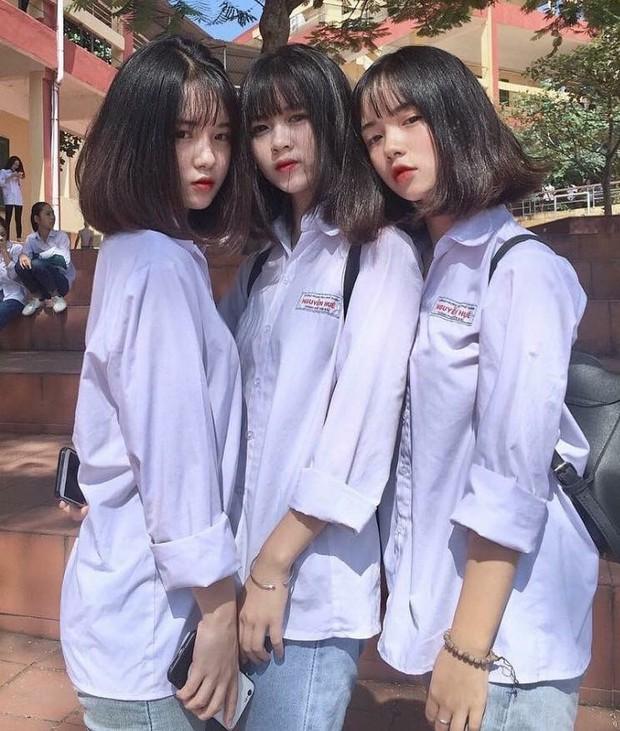Bức ảnh 3 nữ sinh trường THPT Nguyễn Huệ (Yên Bái) hot trên Instagram vì ai cũng quá xinh - Ảnh 1.