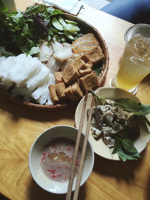Soi Facebook Tân Hoa hậu Trần Tiểu Vy là thấy ngay xu hướng ưu tiên ăn uống ngon - bổ - rẻ của giới trẻ - Ảnh 6.
