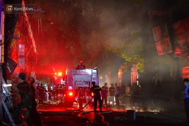 Cháy ở Đê La Thành: Ông chủ khu trọ 15k/đêm nói gì sau vụ cháy - Ảnh 10.