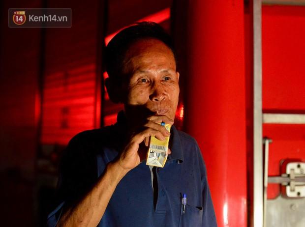 Cháy ở Đê La Thành: Ông chủ khu trọ 15k/đêm nói gì sau vụ cháy - Ảnh 6.
