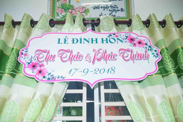 Hoa hậu trả vương miện Đặng Thu Thảo rạng rỡ bên vị hôn phu trong lễ đính hôn tại Cần Thơ - Ảnh 1.