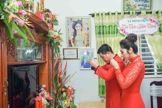 Hoa hậu trả vương miện Đặng Thu Thảo rạng rỡ bên vị hôn phu trong lễ đính hôn tại Cần Thơ - Ảnh 9.