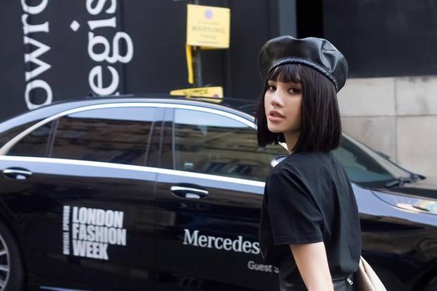 Tránh bão tại Vbiz, Jolie Nguyễn lên đồ chất chơi và âm thầm tỏa sáng tại London Fashion Week - Ảnh 2.