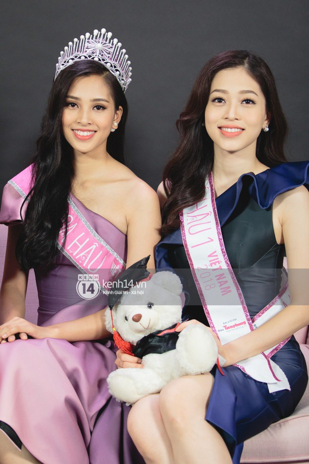 Clip: Bị chê bảng điểm kém, Hoa hậu Trần Tiểu Vy thể hiện khả năng nói tiếng Anh cùng Á hậu Phương Nga - Ảnh 4.