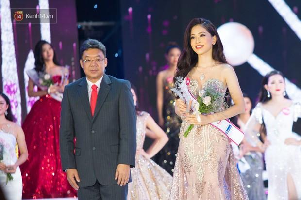 Clip: Phương Nga thể hiện khả năng nói tiếng Anh sau khi đăng quang Á hậu Việt Nam 2018 - Ảnh 2.