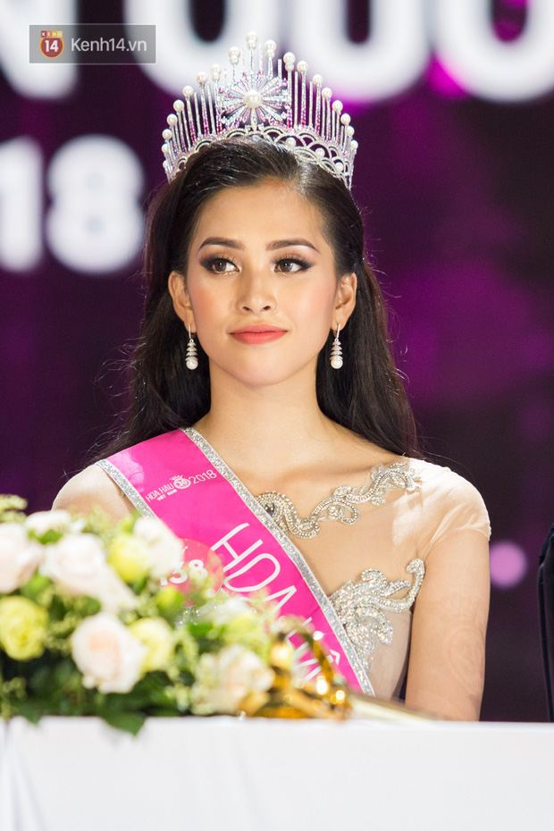 Hành trình nhan sắc của Trần Tiểu Vy toả sáng đến ngôi vị Hoa hậu Việt Nam 2018 - Ảnh 14.