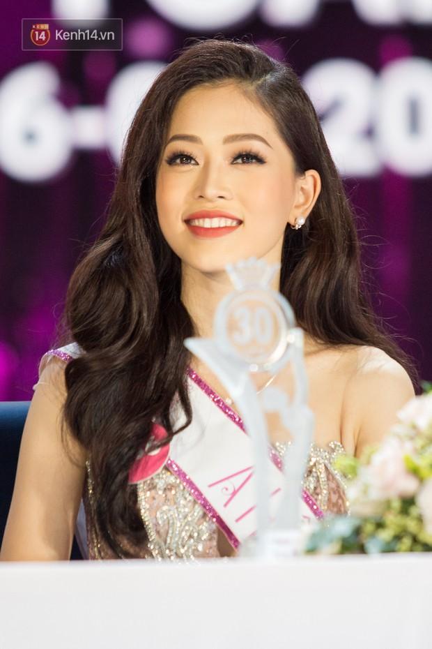 Hơn 2 tuần nữa, Á hậu vừa đăng quang Phương Nga sẽ đại diện Việt Nam chinh chiến tại Miss Grand International 2018 - Ảnh 1.