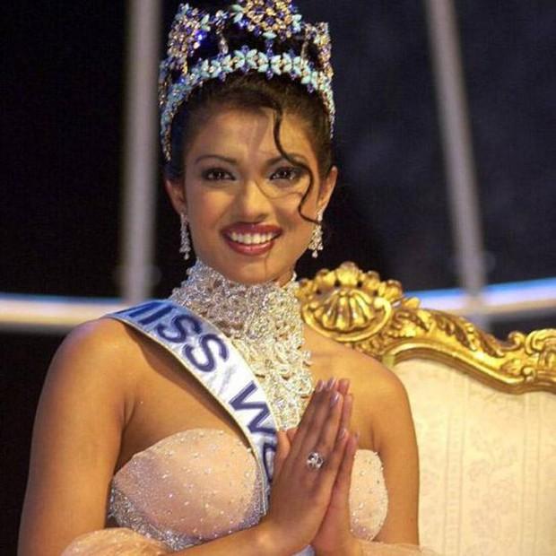 Chiêm ngưỡng nhan sắc của 3 người đẹp từng đăng quang Hoa hậu Thế giới ở tuổi 18 - Ảnh 1.