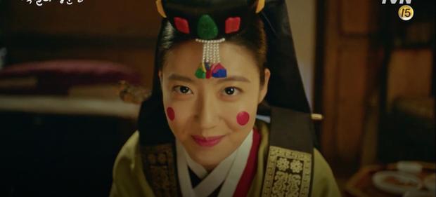 Lang Quân 100 Ngày D.O. (EXO) hoảng loạn vì bị tân nương Nam Ji Hyun cởi áo động phòng - Ảnh 2.