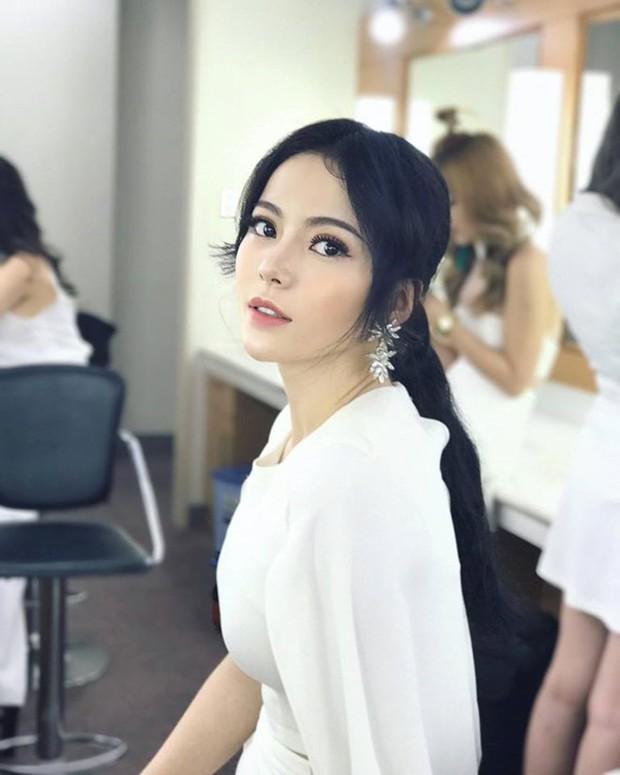 Ngoài tân Hoa hậu Trần Tiểu Vy, Quảng Nam còn là quê hương của rất nhiều hotgirl xinh đẹp nức tiếng - Ảnh 13.