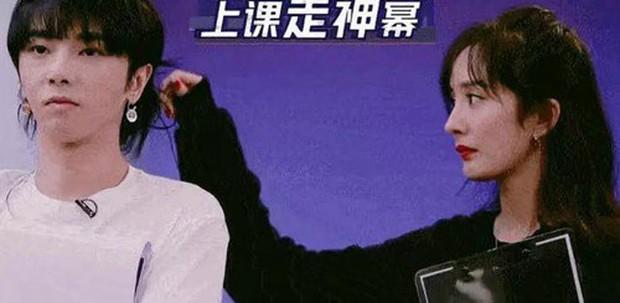 Vì đã ly hôn Lưu Khải Uy, Dương Mịch mới thả thính đồng nghiệp nam vô tư đến nhường này? - Ảnh 16.