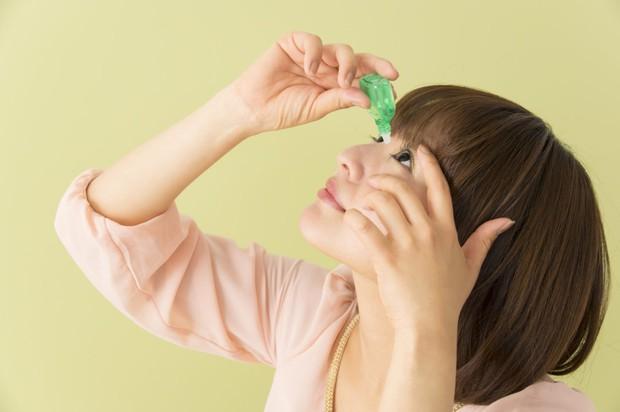 7 thói quen xấu gây ảnh hưởng nghiêm trọng tới thị lực mà nhiều người hay mắc phải - Ảnh 4.