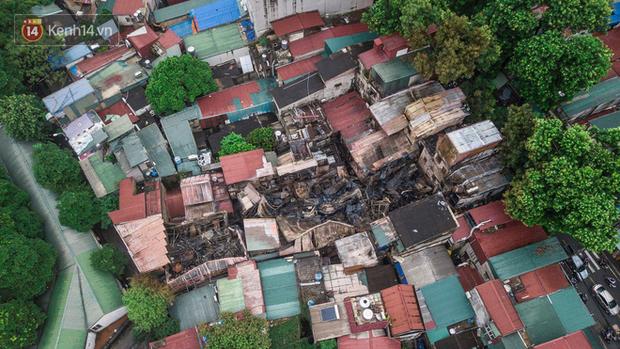 Ảnh, clip: Khung cảnh tan hoang bên trong dãy trọ bị giặc lửa thiêu rụi ở Hà Nội - Ảnh 3.