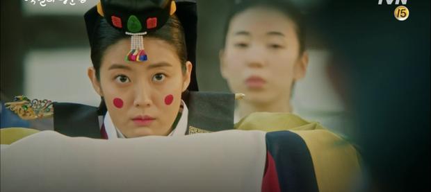 Lang Quân 100 Ngày D.O. (EXO) hoảng loạn vì bị tân nương Nam Ji Hyun cởi áo động phòng - Ảnh 6.