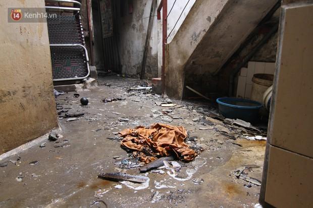 Ảnh, clip: Khung cảnh tan hoang bên trong dãy trọ bị giặc lửa thiêu rụi ở Hà Nội - Ảnh 13.